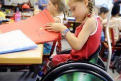 Генпрокуратура: Почти в каждом регионе школы требуют деньги с родителей за обучение детей-инвалидов