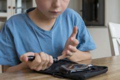 Минтруд будет присваивать инвалидность до 18 лет детям с инсулинозависимым диабетом