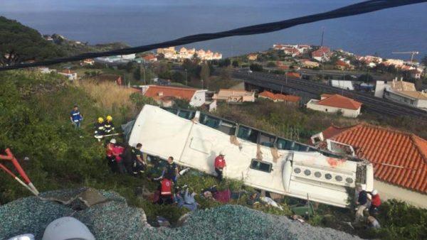 НаМадейре туристический автобус попал в ДТП, погибли 28 человек