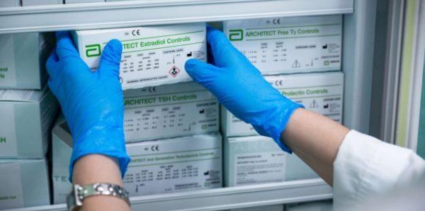 Минздрав закупит для пациентов с ВИЧ устаревшие препараты от гепатита С