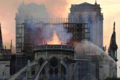 Следователи не нашли признаков поджога собора Парижской Богоматери