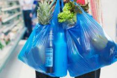 В Госдуме предложили с 2025 года запретить пластиковые пакеты