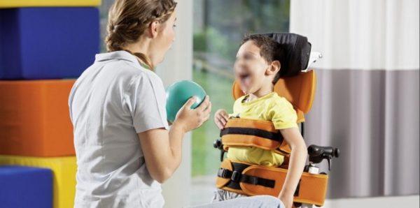 НКО попросили Медведева не принимать новый проект медицинской реабилитации детей