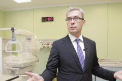 В Красноярске освободили из-под домашнего ареста бывшего главврача перинатального центра