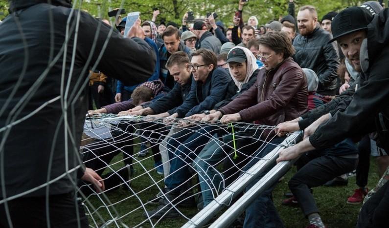 «Это не протест против храма. И даже не борьба за сквер». Главные вопросы о строительстве собора в Екатеринбурге и ответы на них