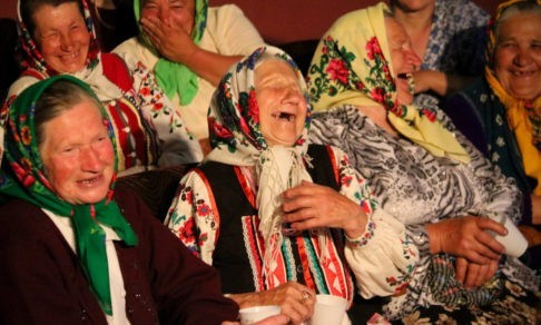 «Священник и шесть бабушек горланили пасхальный канон». Чудо и радость на Пасху