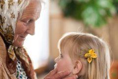 Бабушкам предложили платить за опекунство над внуками