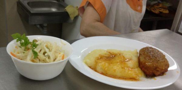 Минпросвещения сформирует единую систему питания в школах