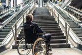 Госдума одобрила штрафы за отказ обслуживать пожилых людей и инвалидов