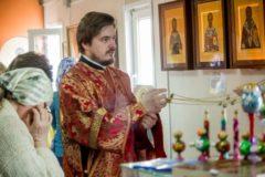 """""""За всех, кто погиб — крещеных и некрещеных"""". Священнослужитель из Кемерова — о молитвах после трагедии в Шереметьево"""