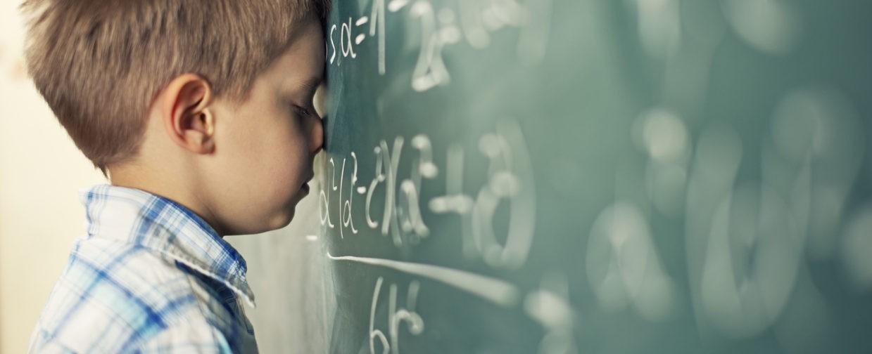 «Вычисляю квадратный корень, покрываясь холодным потом». Почему мы боимся математики