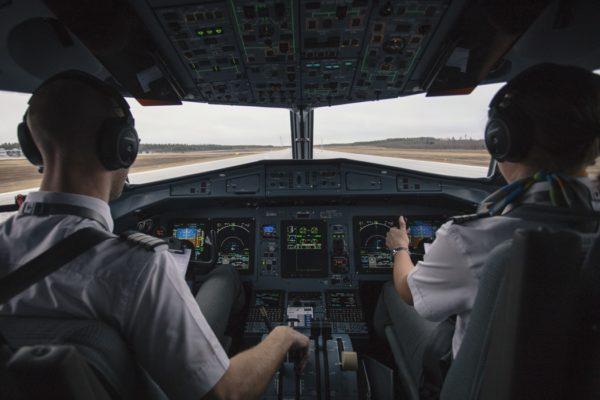 """""""Авиакомпании вынуждены брать на работу всех, кто более или менее подходит"""""""