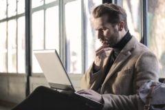 «Язык онлайн? Это мне не подходит». Почему люди не доверяют преподавателям в интернете