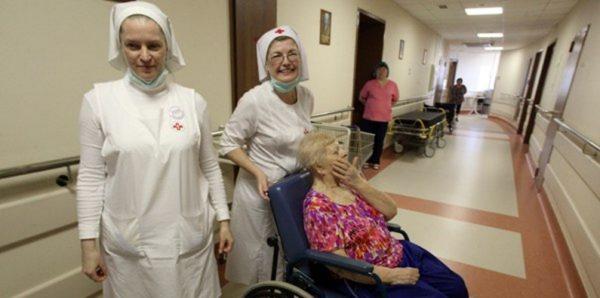 Священники и сестры милосердия будут ухаживать за пациентами в московских больницах