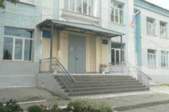 В Саратовской области подросток напал на школу с топором и ранил девочку