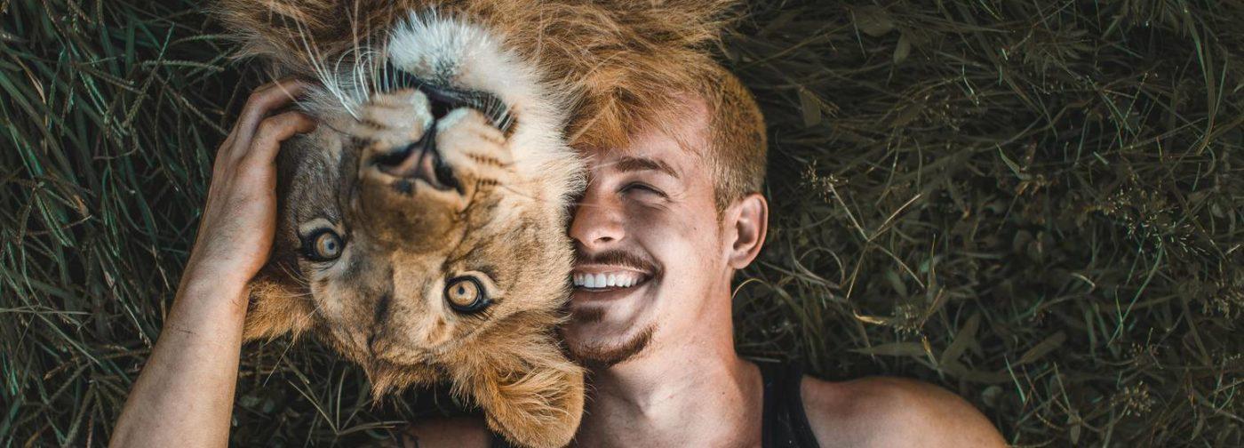Обнимая львов. Финансист продал все, чтобы спасать животных в Африке