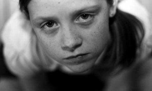 «Везли в детский лагерь, а сдали в приют». Самое ужасное при возврате – ничего не сказать ребенку