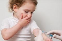 «Детей лишают вакцины, которая защищает от рака». Прививка от ВПЧ не вызывает бесплодие
