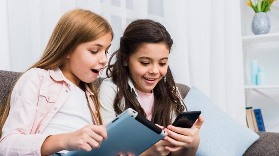 Соцсети не предназначены для детей и вызывают зависимость. Семь причин не покупать ребенку смартфон