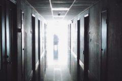 Большинство россиян считает, что больных шизофренией не следует изолировать