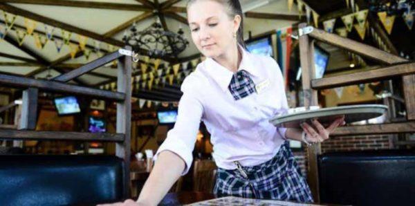 Забайкальских учениц художественной школы, поехавших на практику в Китай, заставили работать официантками