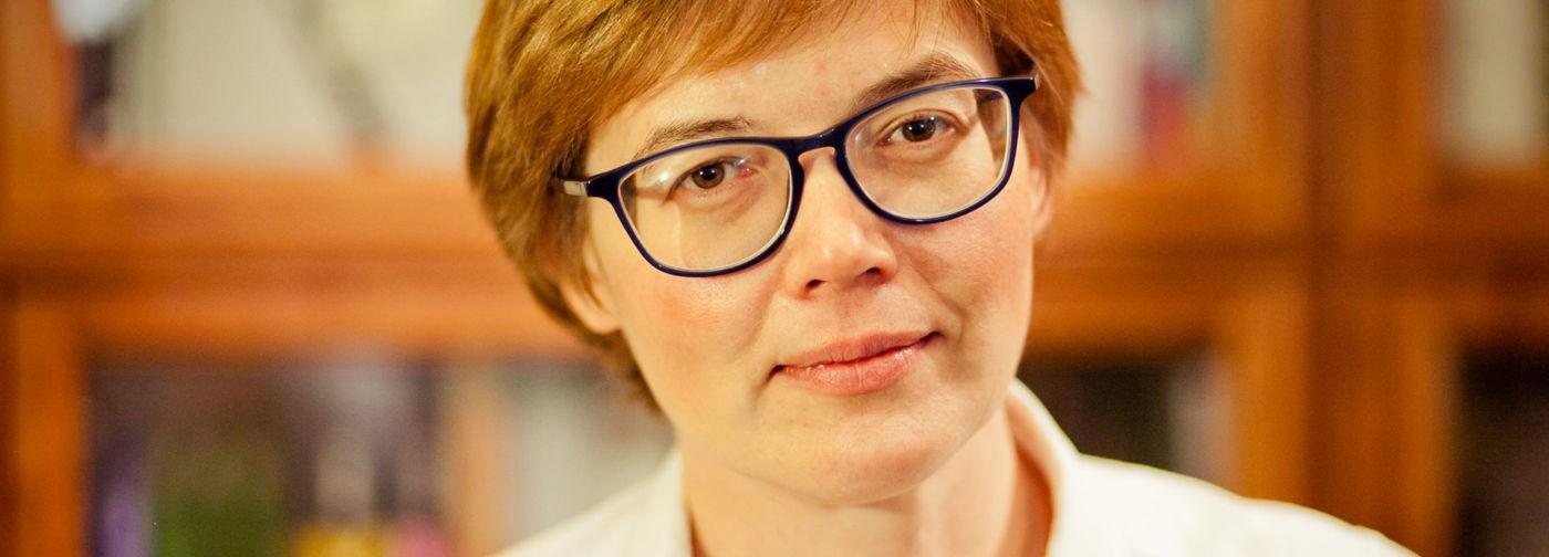 Чувство метлы. Писатель Майя Кучерская — о безденежье и кризисе