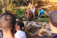 Сотрудники Росгвардии спасли мальчика во время наводнения в Иркутской области