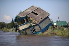 Успели в последний момент, провели ночь на крыше. Наводнение в Иркутской области – как это было