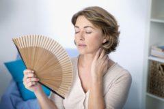 Если дома душно, вы тоже в опасности. Как пережить жару