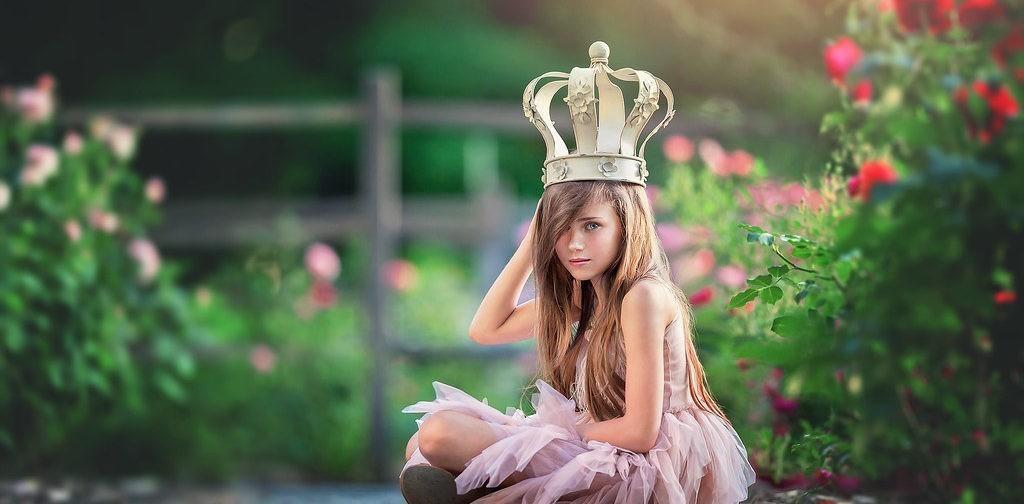 «Дочь все время мной командует». Почему дети перестают нас слушаться и что с этим делать