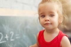 «Считают вслух, но не умеют мыслить и дружить». Почему отдать ребенка на ментальную арифметику — спорная идея