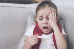 Не путайте ангину с ОРВИ. Почему болит горло, когда удалять миндалины и при чем здесь суставы