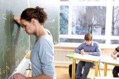 Более 70% учителей пожаловались на сложности в отношениях со школьниками