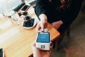 Ваш ПИН-код снимают скрытой камерой. Как защитить банковскую карту от мошенников