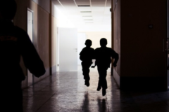 В Приморье будут судить родителя, устроившего самосуд над хулиганом в школьном туалете