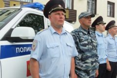 В Челябинской области четверо полицейских спасли из горящего дома 33 человека