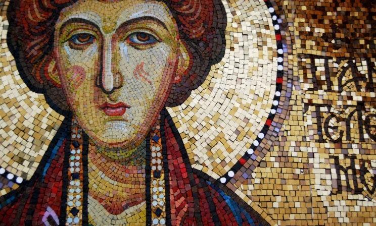 Целитель Пантелеймон: иконы и молитвы