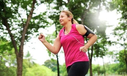 Чем опасна утренняя пробежка. Врач-ортопед — о беге, правильных кроссовках и спортивных травмах
