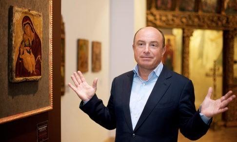 Он вкладывал деньги в Музей русской иконы, а дела в бизнесе шли лучше