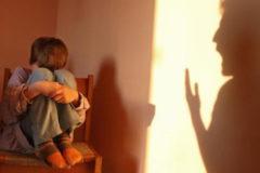 Росстат рассказал, в каких регионах чаще всего фиксируют жестокое обращение с детьми