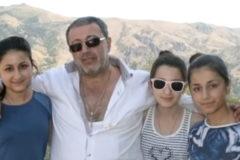 СК не стал заводить дело против отца сестер Хачатурян