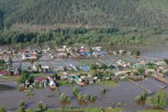 Врач спасла 73 жителя поселка во время наводнения в Иркутской области