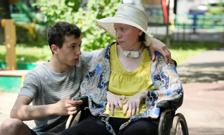 """""""Я никогда не чувствовал, что моя мама инвалид"""". Как живет ребенок, если его родители не ходят, не слышат и не видят"""
