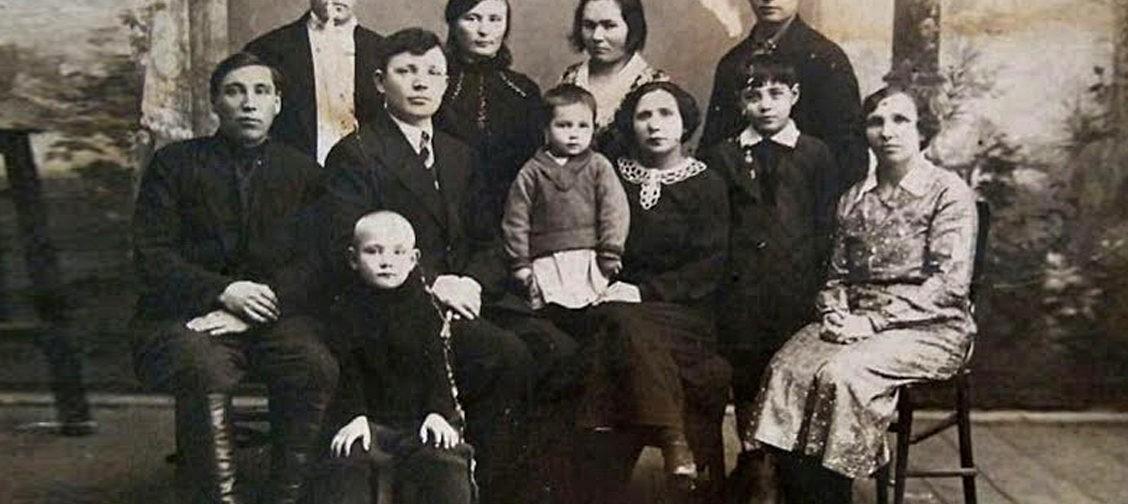 """""""Бабушка что-то рассказывала, но уже я ничего не помню"""". Как собрать родословную семьи своими руками"""