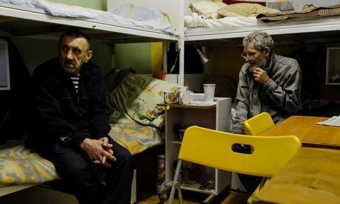 «Вы хотите бомжатник в вашем дворе?» Район Беговой объединился против «Ночлежки» - кто прав