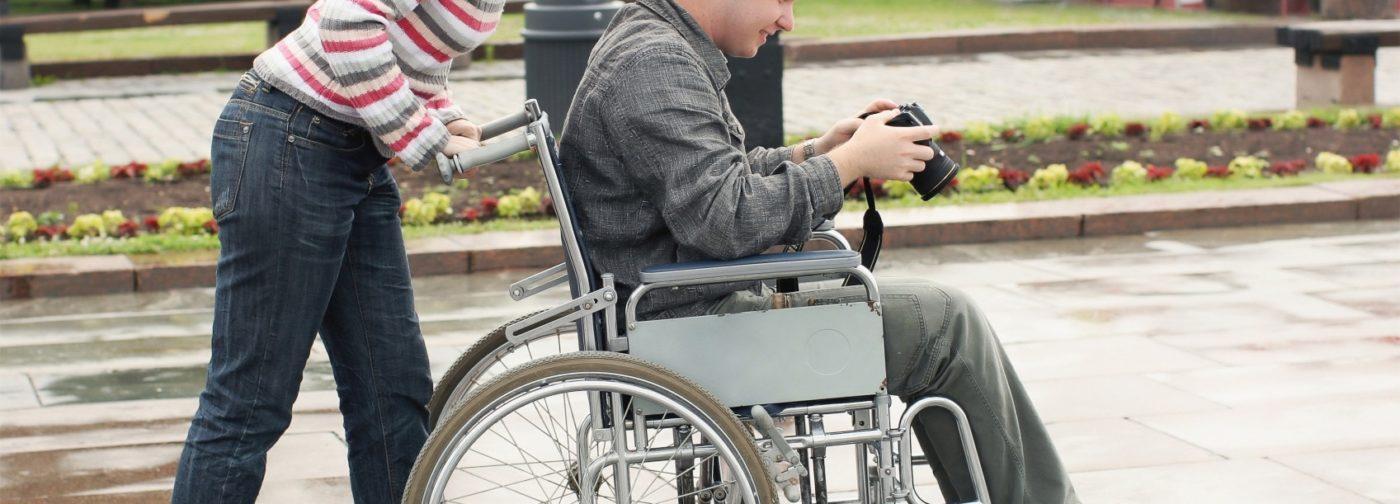 Родителям взрослых инвалидов дадут дополнительные выходные. Вроде бы хорошо — что же не так?