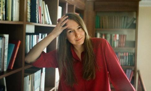 «Классно быть писателем в России – про все не написано». Евгения Некрасова – о «Калечине-Малечине», повседневной бездне и счастливом человеке