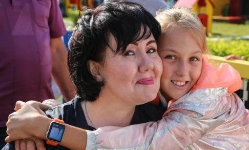 «Если ты несчастна, то не имеешь права работать с детьми». Она создала школу журналистики, сидя в инвалидной коляске