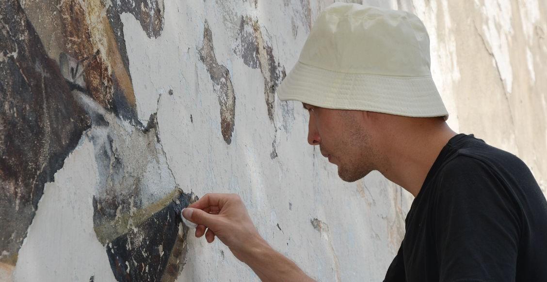 Что изобразили заключенные ГУЛАГа на стенах столовой. И для чего сохранять эти росписи