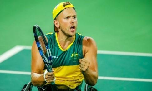«Я хочу доказать миру, что могу все». Подросток в инвалидной коляске стал звездой большого тенниса